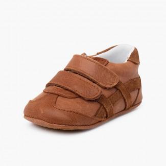 Chaussure bébé de sport avec fermetures adhérentes Camel