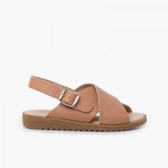 Sandale croisée en cuir à larges brides Beige