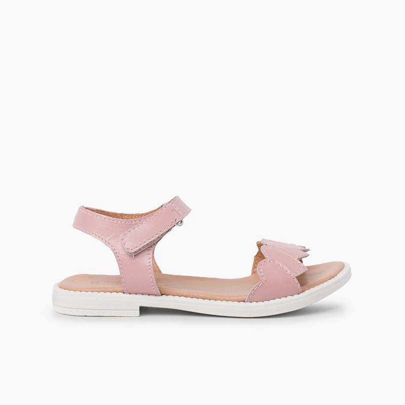 Sandale en cuir à bride coeur