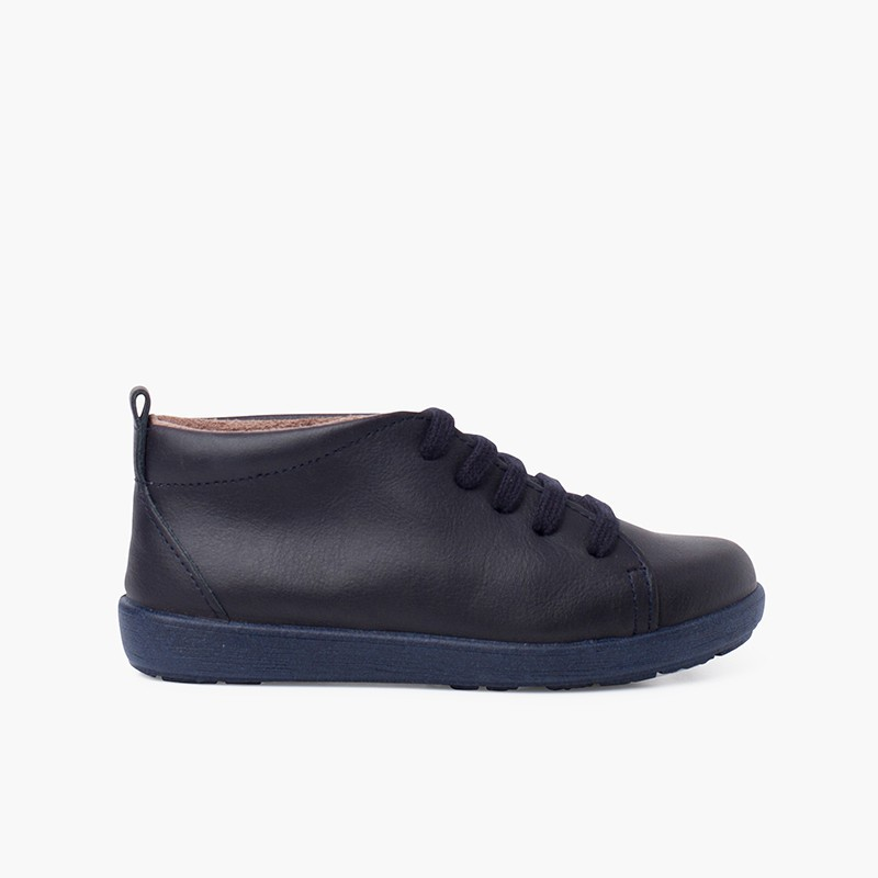Chaussures en cuir type bottines à lacets