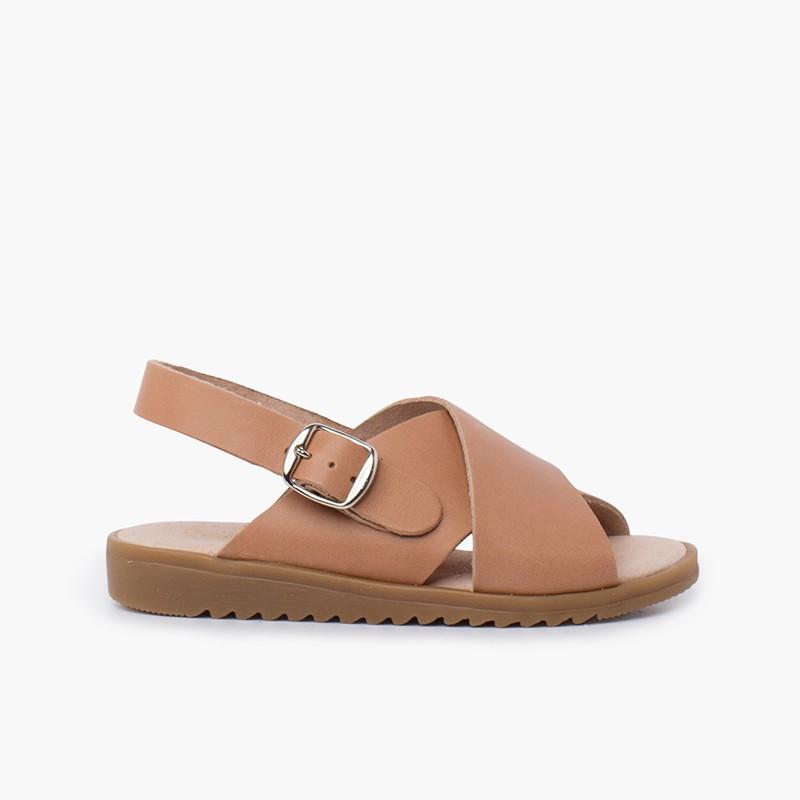 Sandale croisée en cuir à larges brides