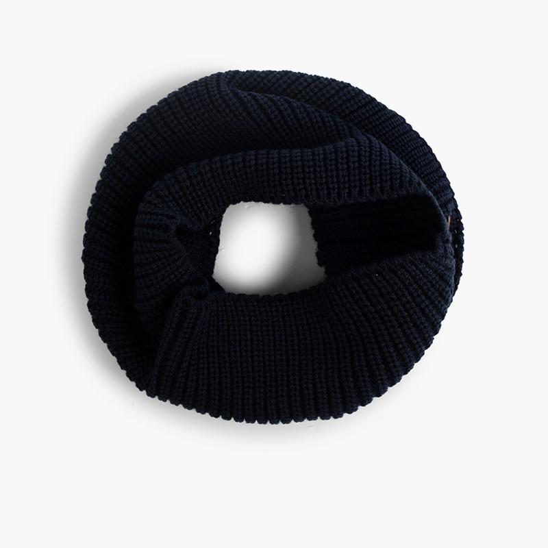 Écharpe tour de cou tricotée