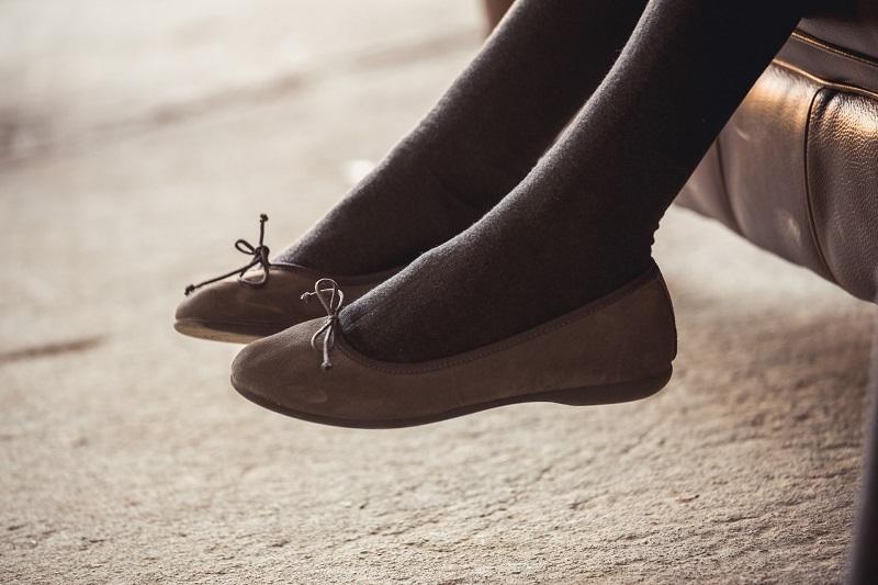 Ballerines, chaussures babies, manoletinas, pareilles ou différentes?