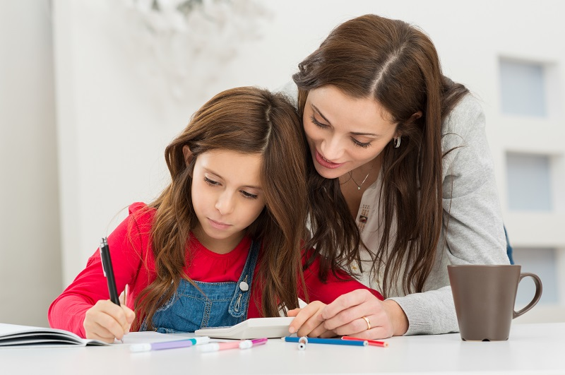 Avantages et inconvénients des devoris scolaires