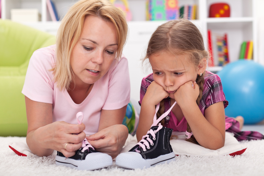 Aprender atarse los zapatos con Pisamonas