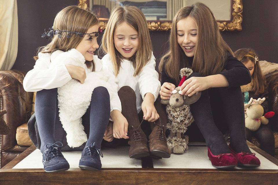Petites Filles élégantes pour Noël Pisamonas